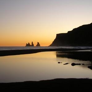 Harpa Jónsdóttir: plage de sable noir