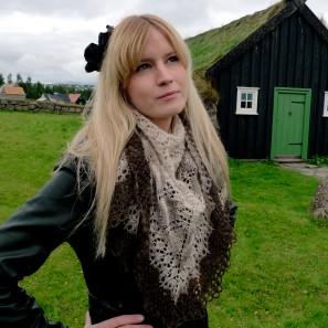 Châle moderne islandais: un modèle publié dans Tricoteuse d'Islande