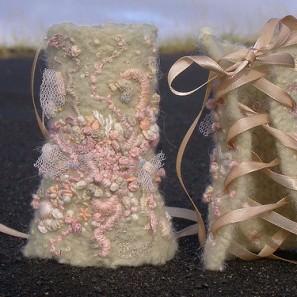 Harpa Jónsdóttir: gantelets tricotés, feutrés, rebrodés