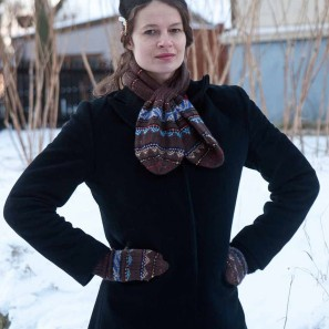 Icelandic Handknits Leaf scarf and mittens