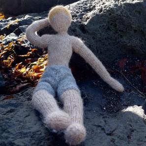 Bjarni poupée garçon islandaise en tricot (3)