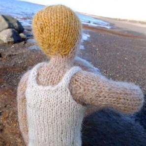Bjarni poupée garçon islandaise en tricot (7)