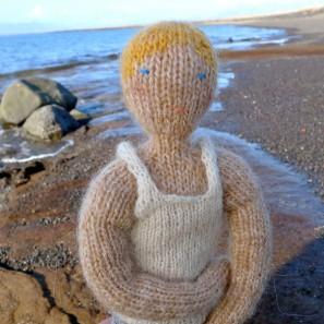 Bjarni poupée garçon islandaise en tricot (9)