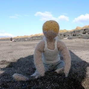 Bjarni poupée garçon islandaise en tricot (14)