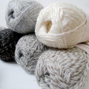 Einrum by Kristin Brynja: lopi + silk
