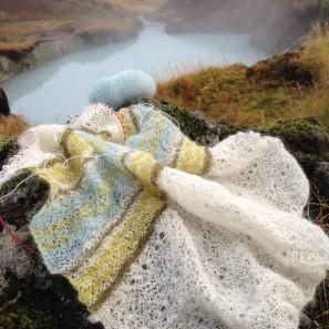 Etole Hila tricotée avec Love Story: Natural white, Askja blue, Anis green et Moss green (14)