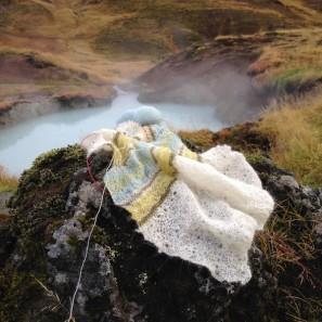 Etole Hila tricotée avec Love Story: Natural white, Askja blue, Anis green et Moss green (9)