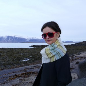 Etole Hila tricotée avec Love Story: Natural white, Askja blue, Anis green et Moss green (7)