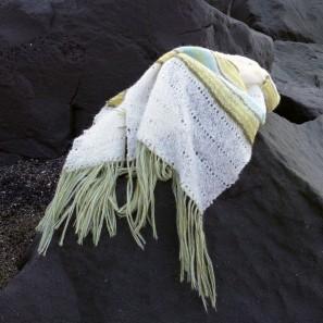 Etole Hila tricotée avec Love Story: Natural white, Askja blue, Anis green et Moss green (11)
