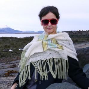 Etole Hila tricotée avec Love Story: Natural white, Askja blue, Anis green et Moss green (8)