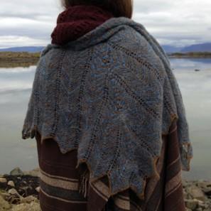 Châle Randalin tricoté avec Love Story en Natural brown et Hot spring Blue (3)